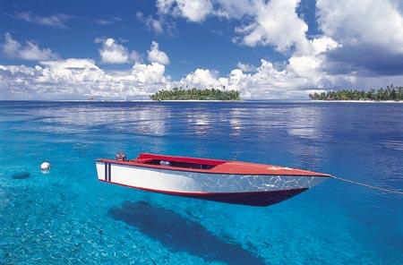 tahiti-boat-in.water.jpg