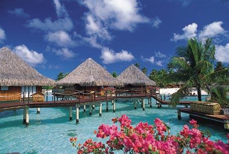 tahiti-village-large.hut.jpg