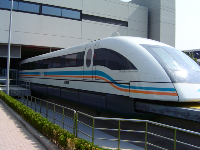 shanghai-maglev-head.out.of.station.2.jpg