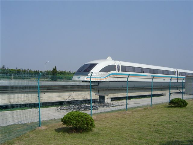 shanghai-maglev-on.other.side.jpg