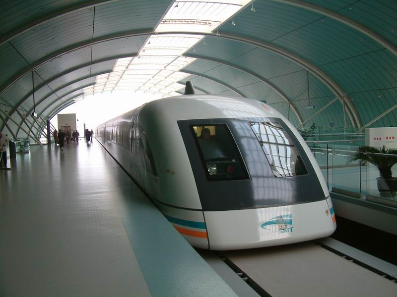 shanghai.maglev-head-in.station.jpg