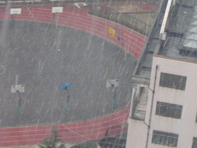 shanghai-school-snowing.jpg