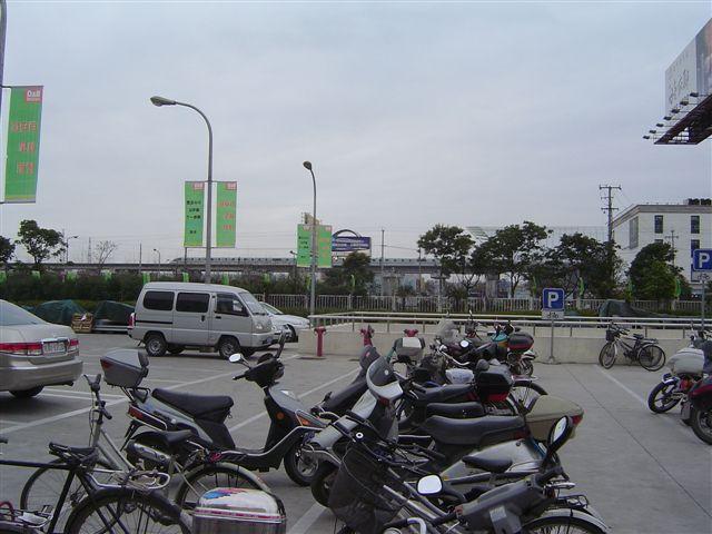 shanghai-long.yang-maglev.jpg