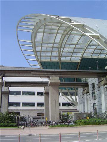 shanghai-maglev-roof.jpg