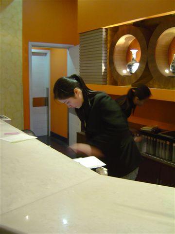 shanghai.motel-receiption.jpg