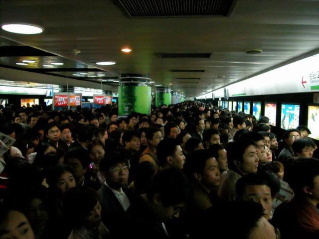 shanghai-people-metro.line.2.jpg