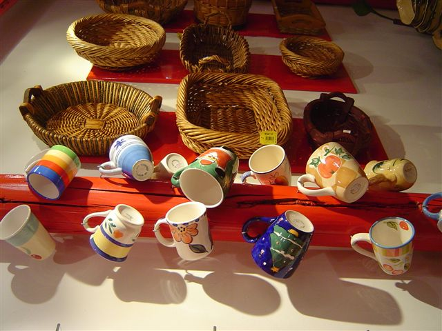 shanghai-dining.room-cups.jpg