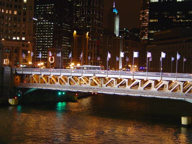 chicago-river.bridge.jpg