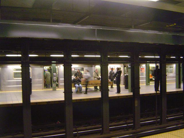 newyork-rails-subway.jpg