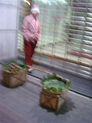shanghai-farmer-selling.jpg