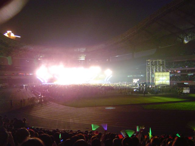shanghai-super.girl-stage.jpg