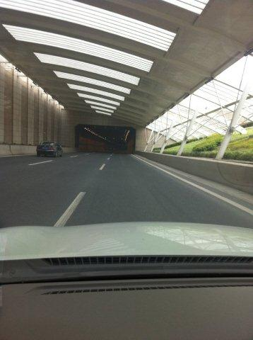 shanghai.chongming-tunnel-entring.jpg